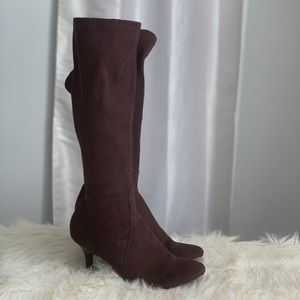 Isaac Mizrahi brown suede boots size 7.5